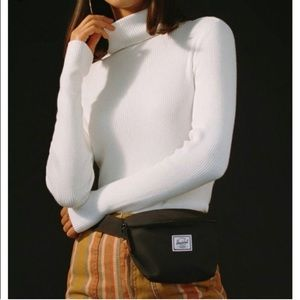 UO Urban Outfitters turtleneck